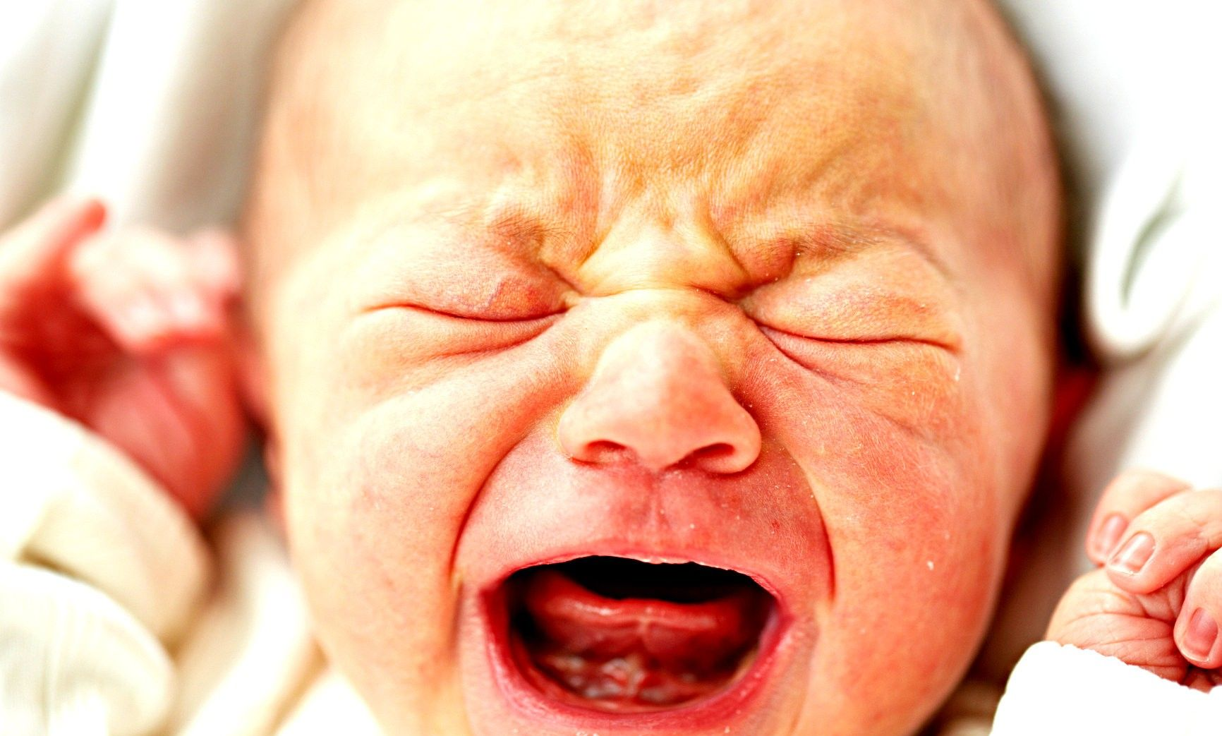 15 Signs Of A Colicky Baby And What To Do About It