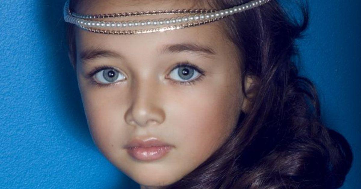 25 Perfect Baby Girl Names For Every Eye Color | BabyGaga