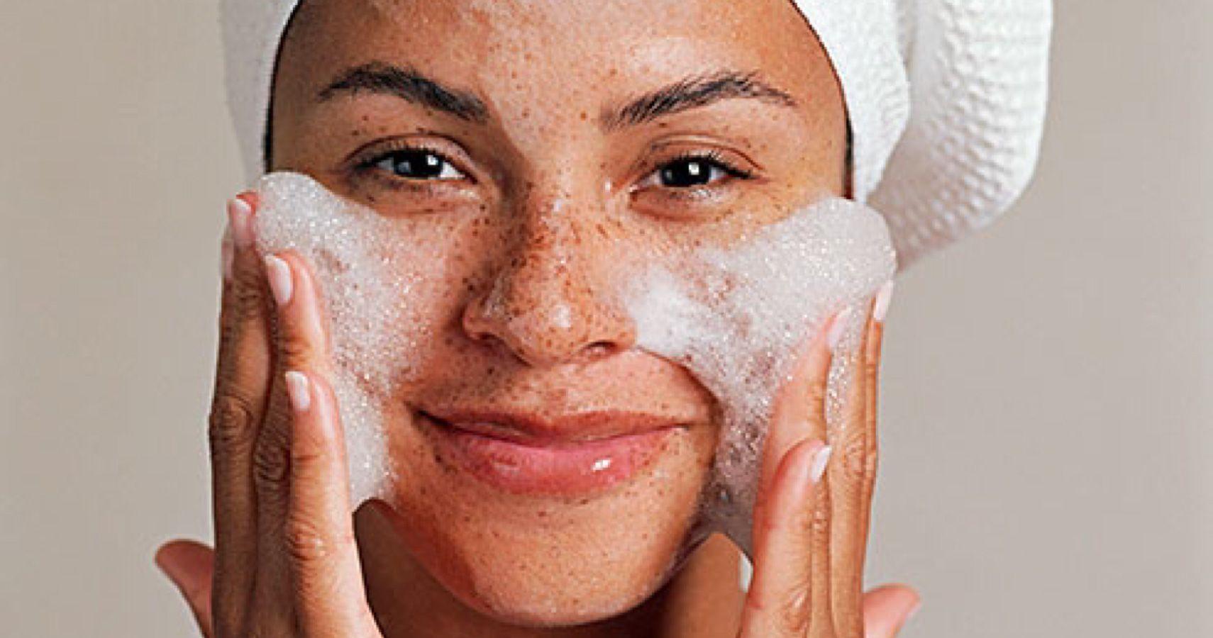 Dermatologist Recommends A Pregnancy-Safe Skincare Routine